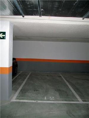Alquilo plaza de garaje en Pau 4.