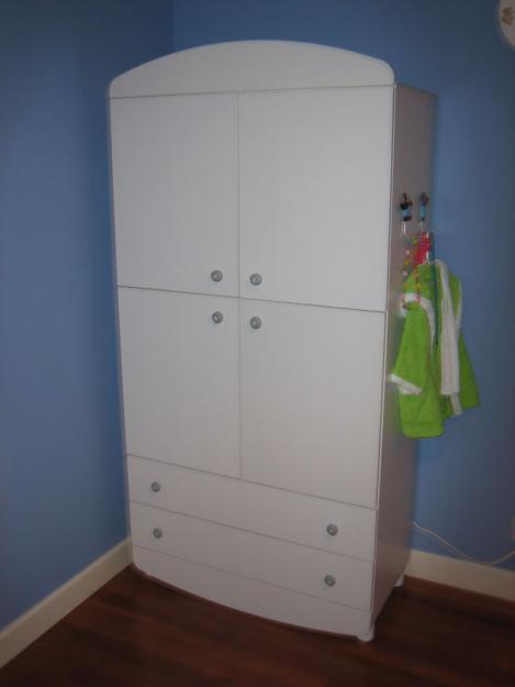 Casa de este alojamiento armario limpieza ikea bebe - Armarios para bebe ...