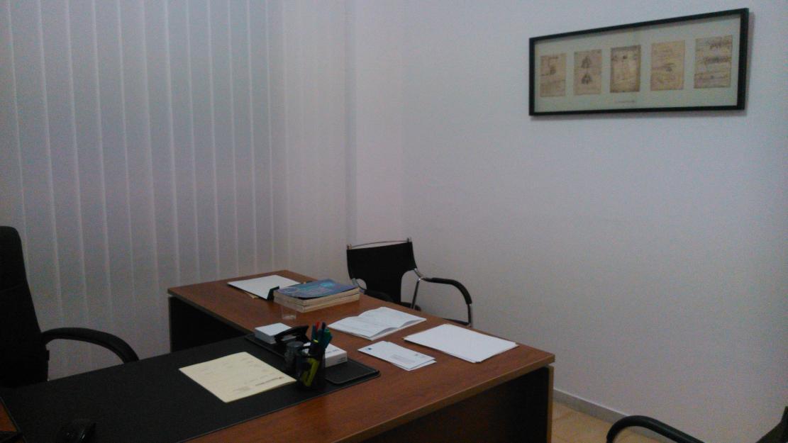 Se alquila oficina en marbella para contable mejor for Oficina correos marbella