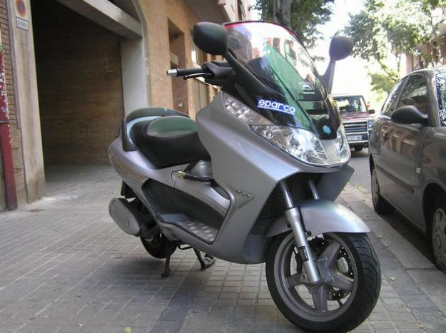 PIAGGIO X8 200