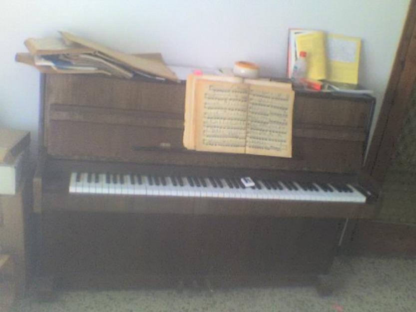 Piano vertical Offberg