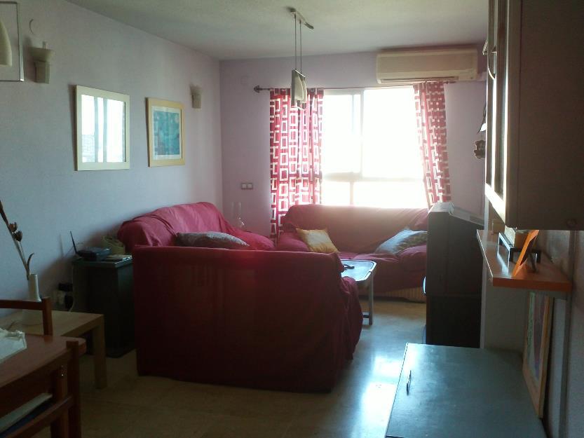 Bonita habitación en piso compartido con wifi y gastos incluidos