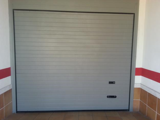 Puerta seccional garaje motorizada mejor precio - Motor puerta garaje seccional ...