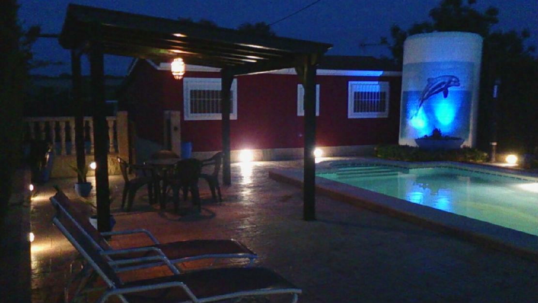 Casa rural con piscina, barbacoa para vacaciones