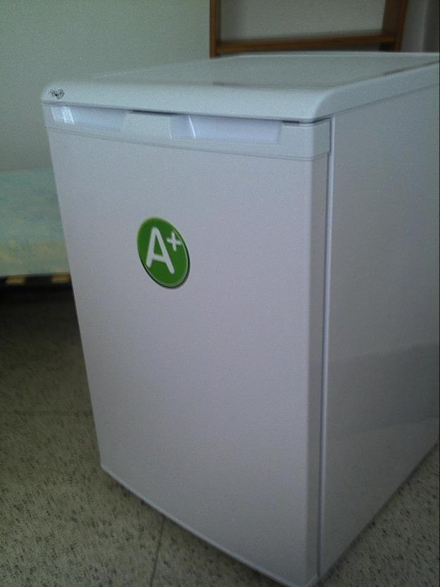 Vendo nevera nueva peque a con congelador 161393 mejor for Medidas nevera pequena